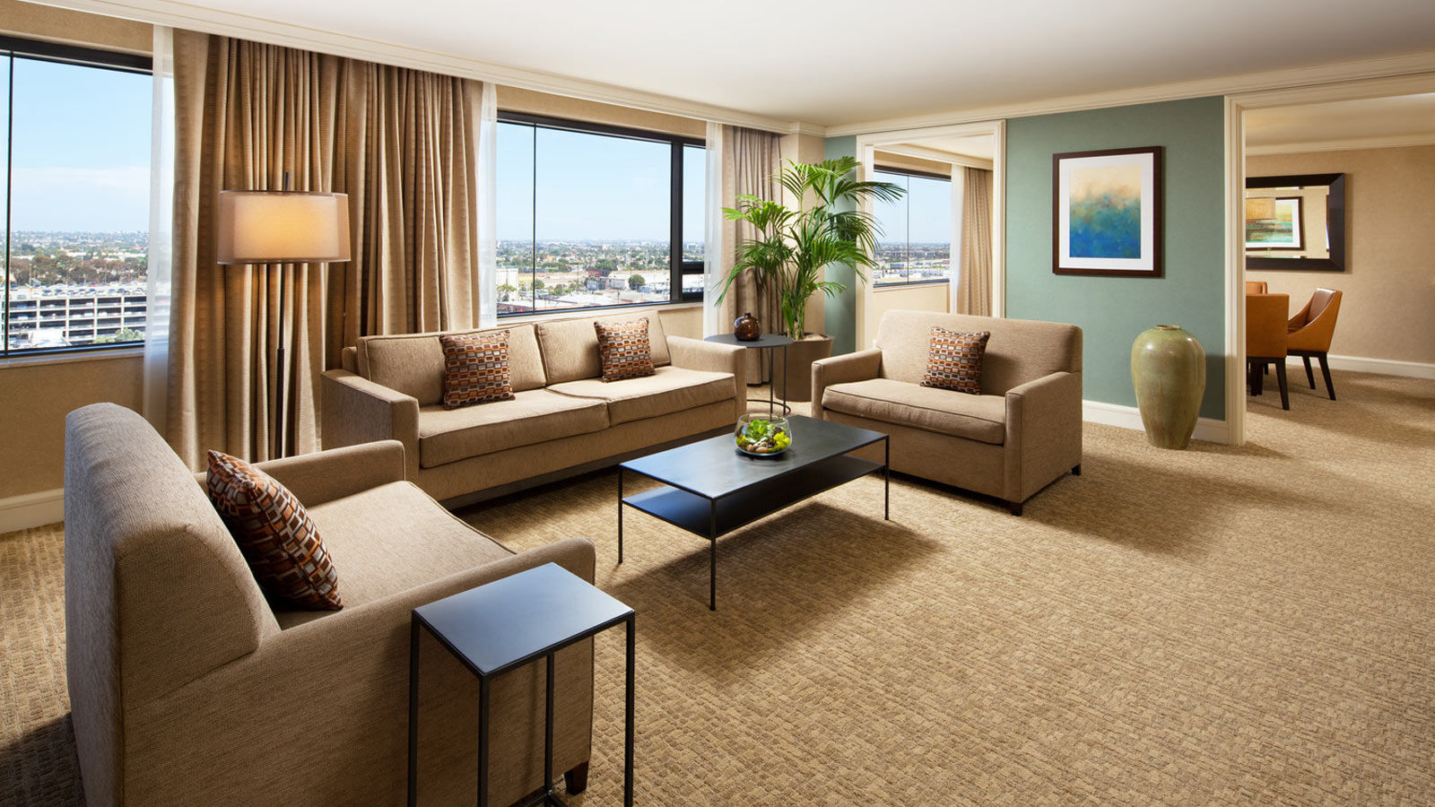 Lax accommodation the westin los angeles airport hotel for The family room los angeles